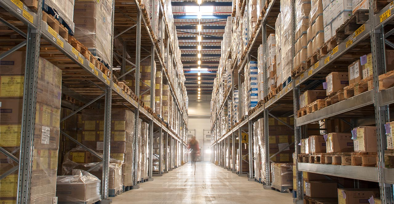 Logistik dental trade depot warehousing order picking